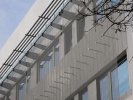 Proteccion solar fachadas